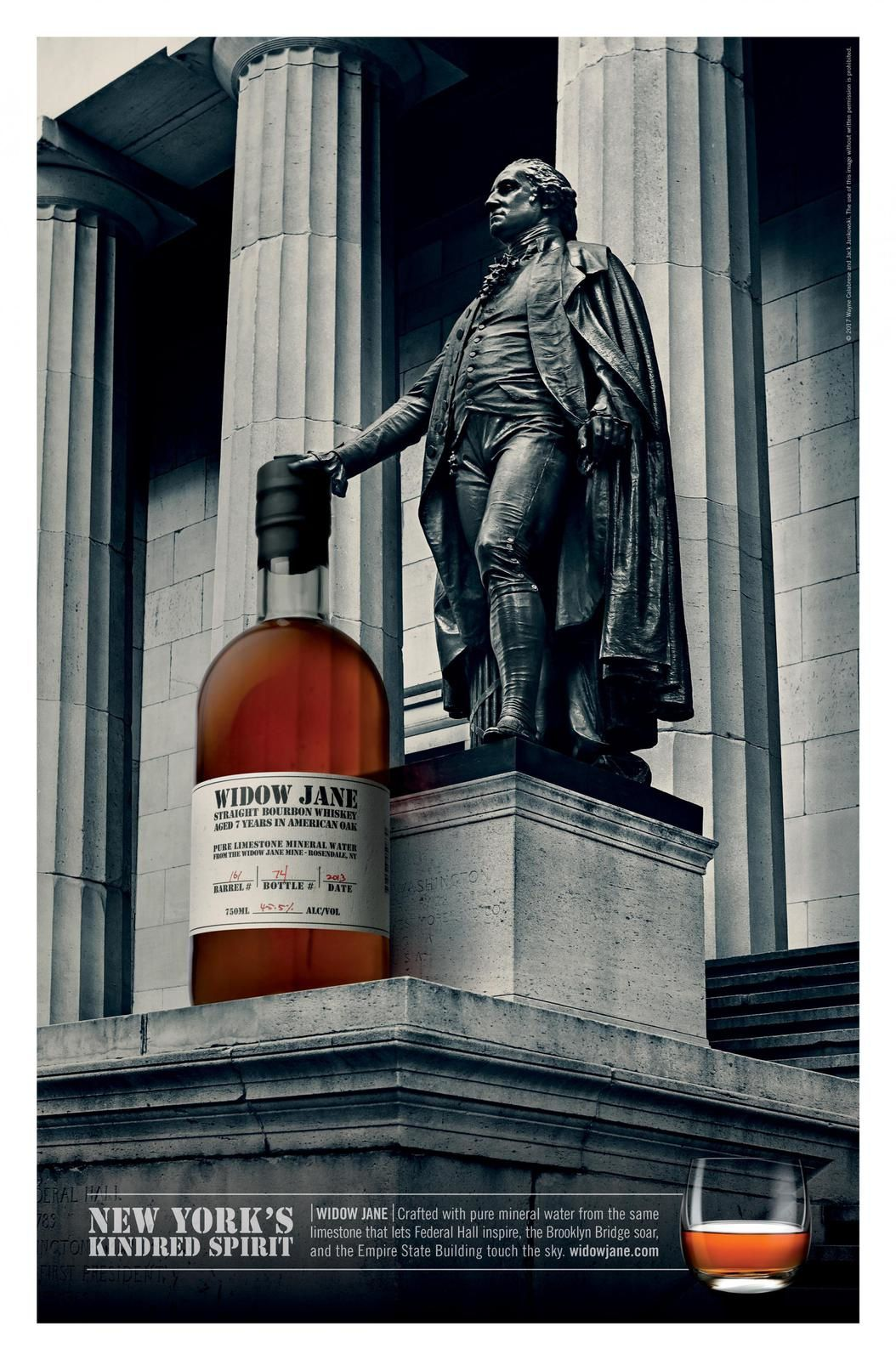 """Crafted with pure mineral water from the same limestone that lets Federal Hall inspire, the Brooklyn Bridge soar, and the Empire State Building touch the sky"" - Widow Jane (whisky) I Agence : JAC, New-York, Etats-Unis (juin 2018)"