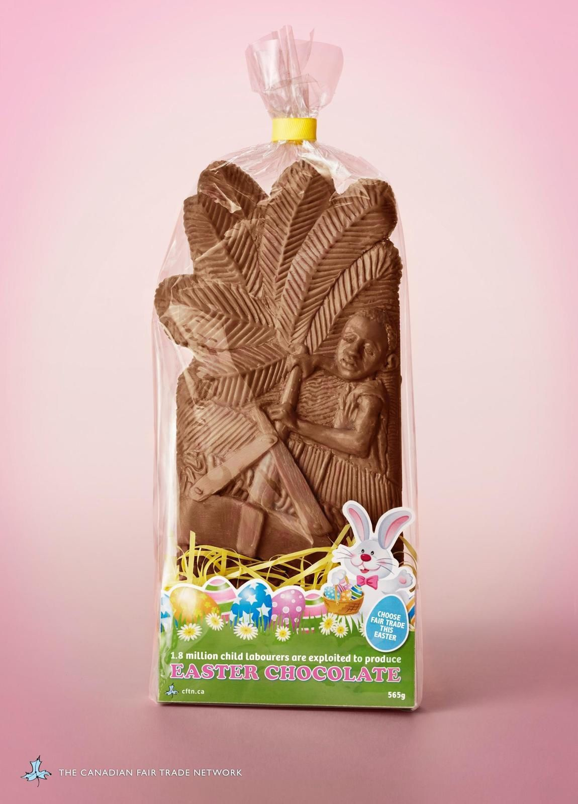 "The Canadian Fair Trade Network : ""1.8 million child labourers are exploited to produce Easter chocolate. Choose fair trade this easter"" I Agence : Rethink, Vancouver, Canada (mars 2016)"