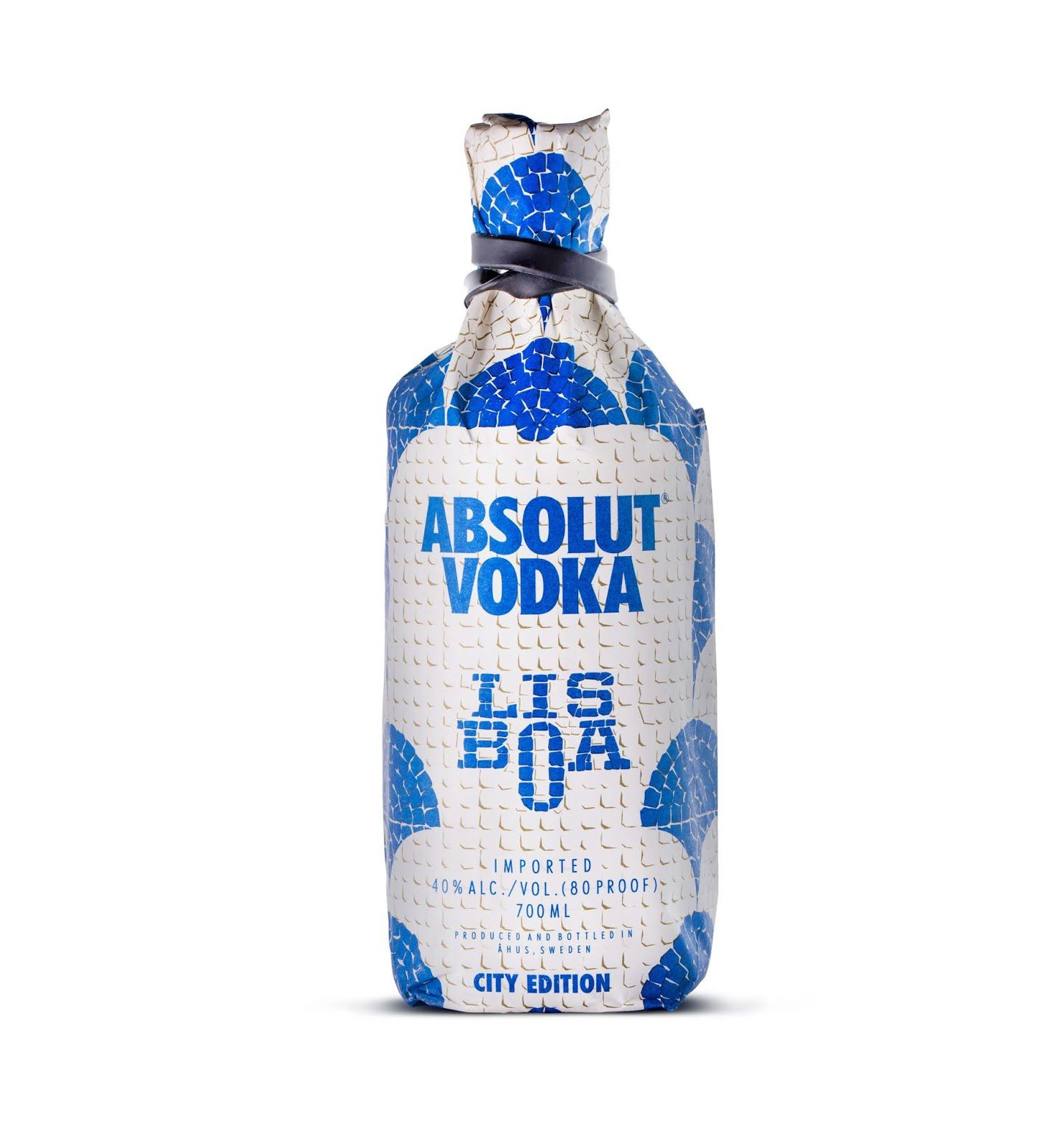"Absolut Vodka : ""Lisboa"" (bouteille collector imaginée dans le cadre ""The City Edition series"") I Design : VOLTA Brand Shaping Studio, Porto, Portugal (juillet 2019)"