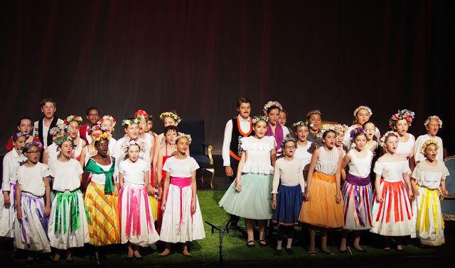 LA VEUVE JOYEUSE (projet pédagogique Opéra Grand Avignon)