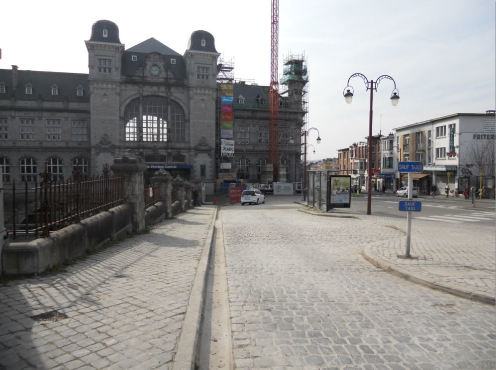 Le 7 mars, l'endroit qui a connu tant d'activité (grues, machines diverses, morceaux de poutres, gravats) est nettoyé et rendu à la circulation.