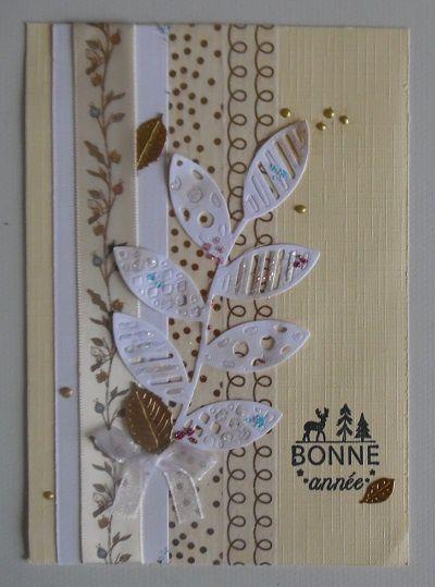 Une jolie carte dorée travaillée avec délicatesse et de jolies découpes fines.