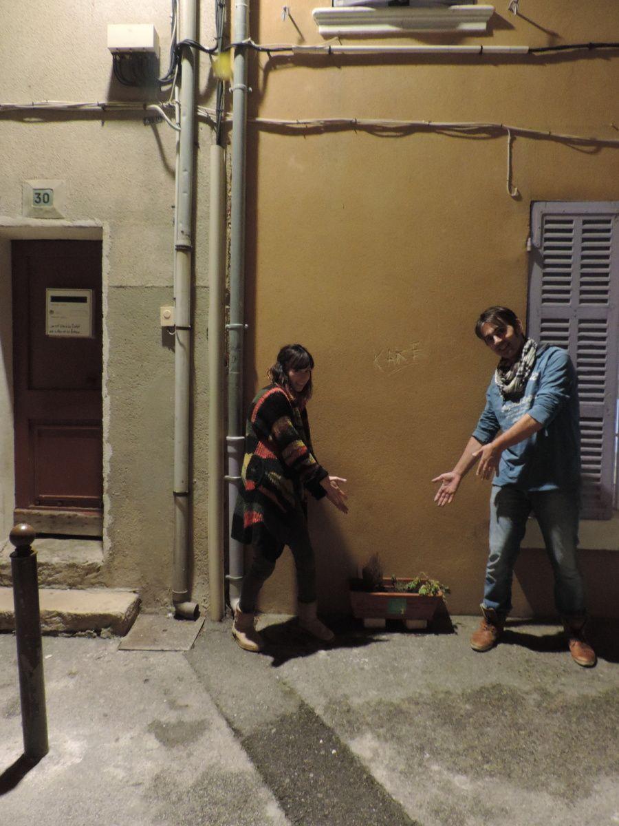 Laurence et Arnaud déclarant leur flamme à la jardinière...
