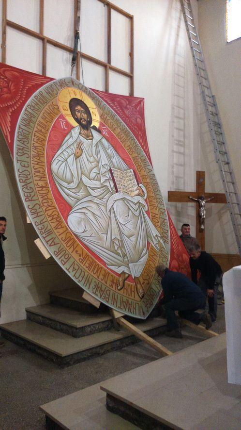 Christ pantocrator : Mise en place dans l'église de Laurens (Hérault)