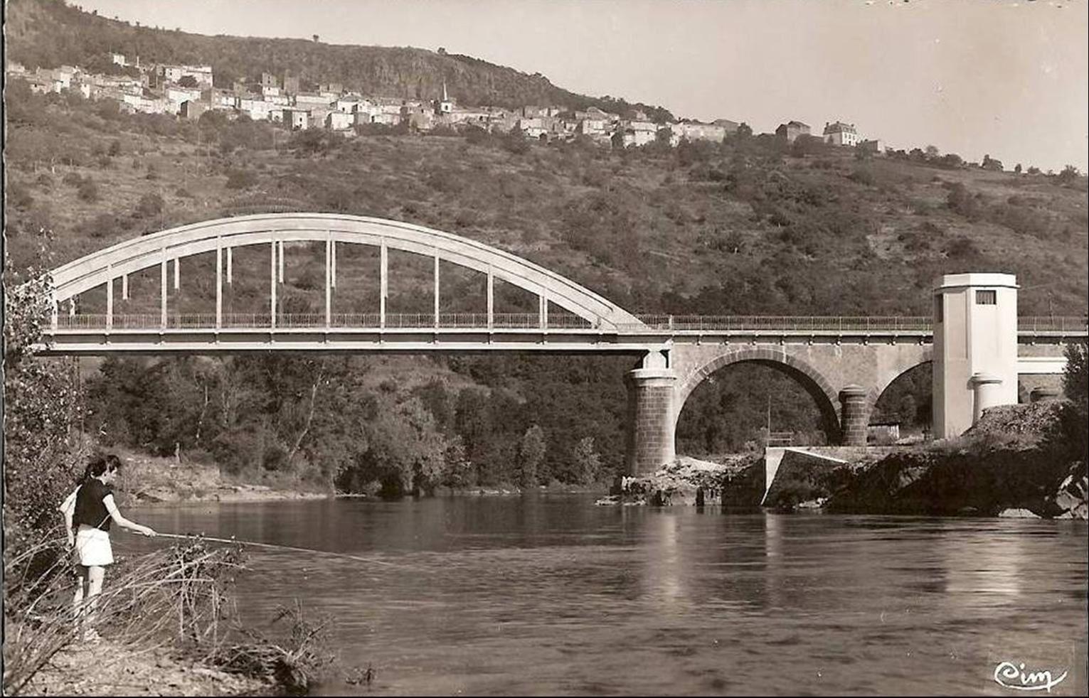 Les ponts sur l'Allier autour de Vic le Comte