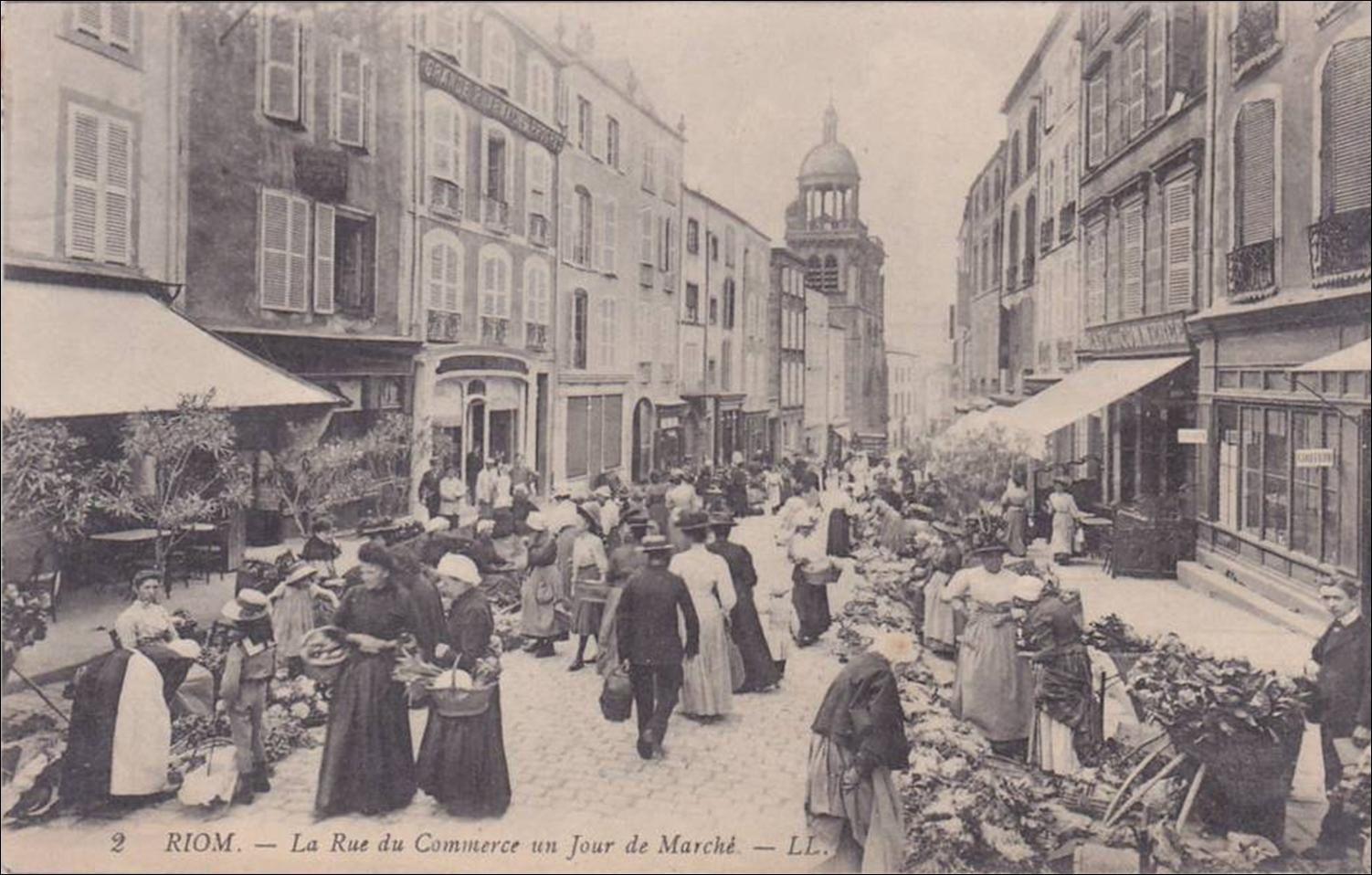 Riom en cartes postales anciennes