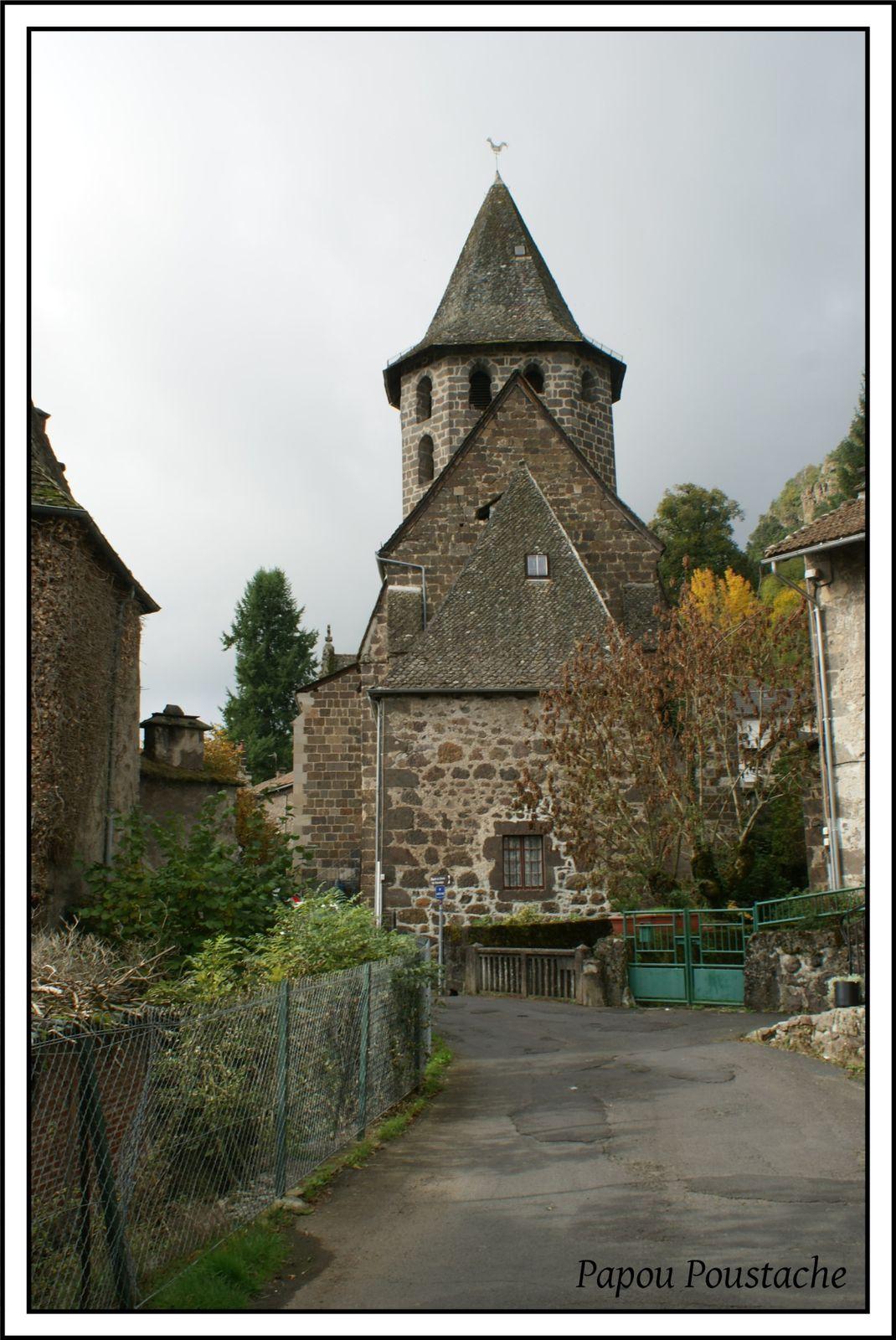 Eglise et Chapelle à Vic sur Cére