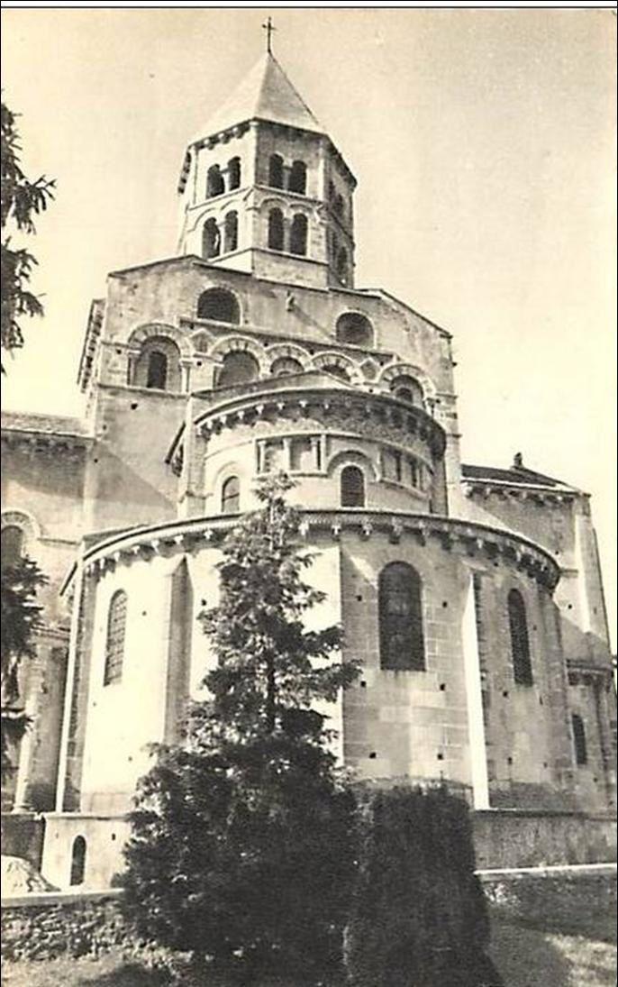 Patrimoine auvergnat:L'église de Saint Saturnin