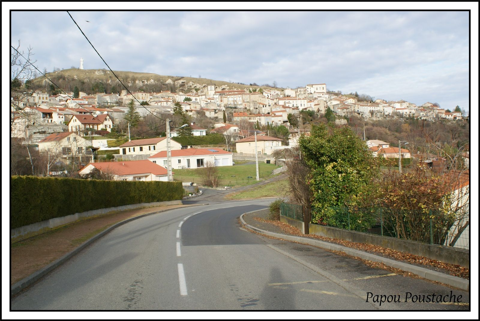 Les villages du Puy de Dome:Monton
