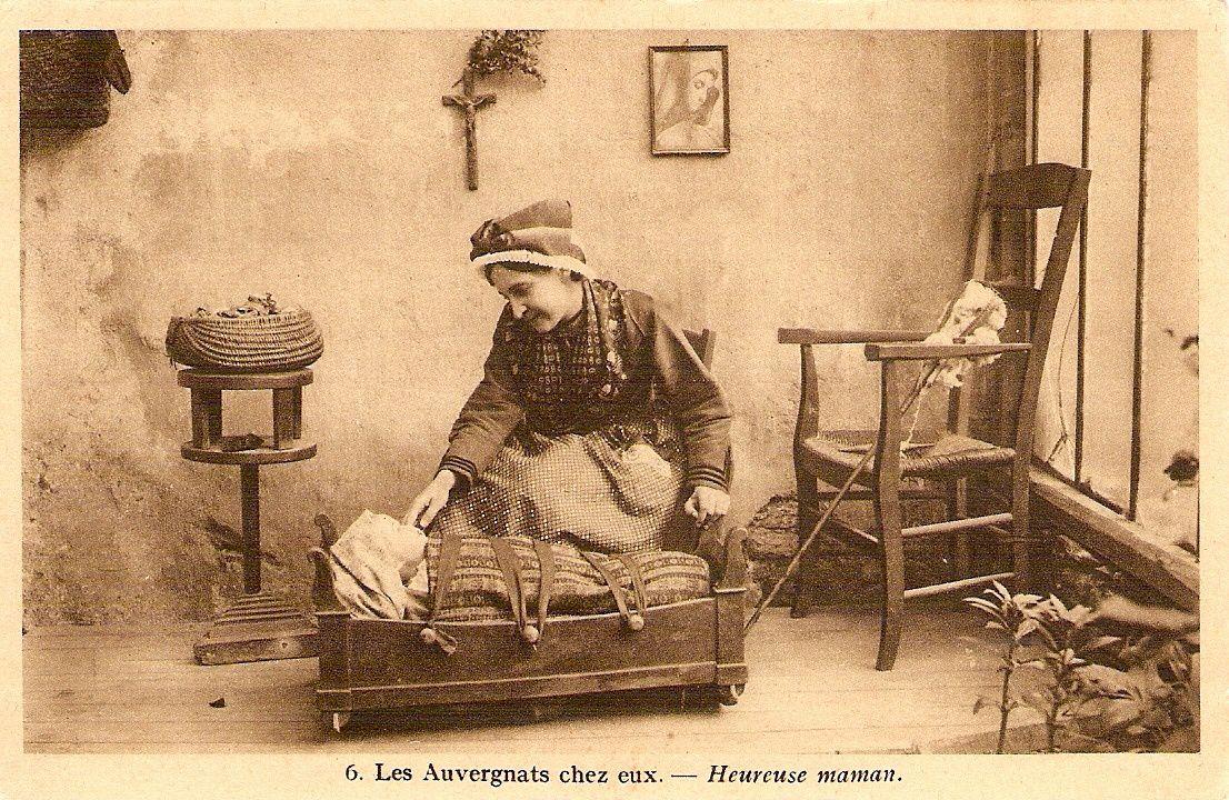 Cartes postales anciennes d'Auvergne: Les Auvergnats chez eux
