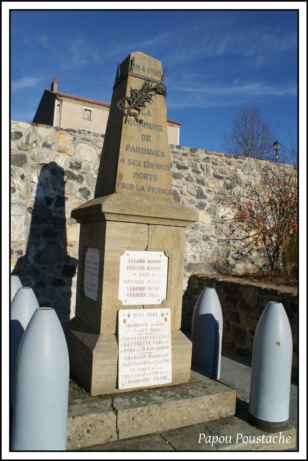 croix et monument à Pardines