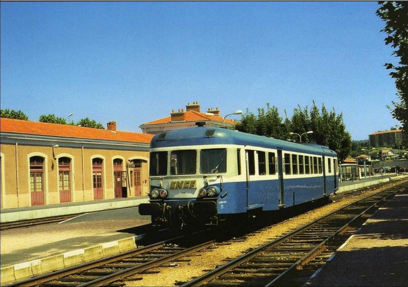 Un siècle dans la gare du Puy en Velay
