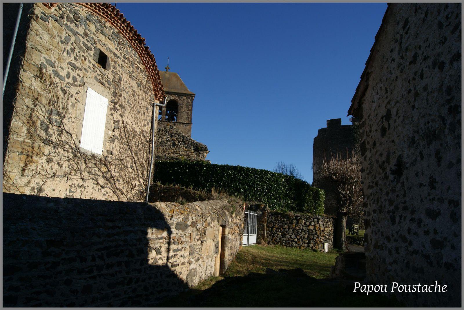 Les villages du Puy de Dôme: Chalus