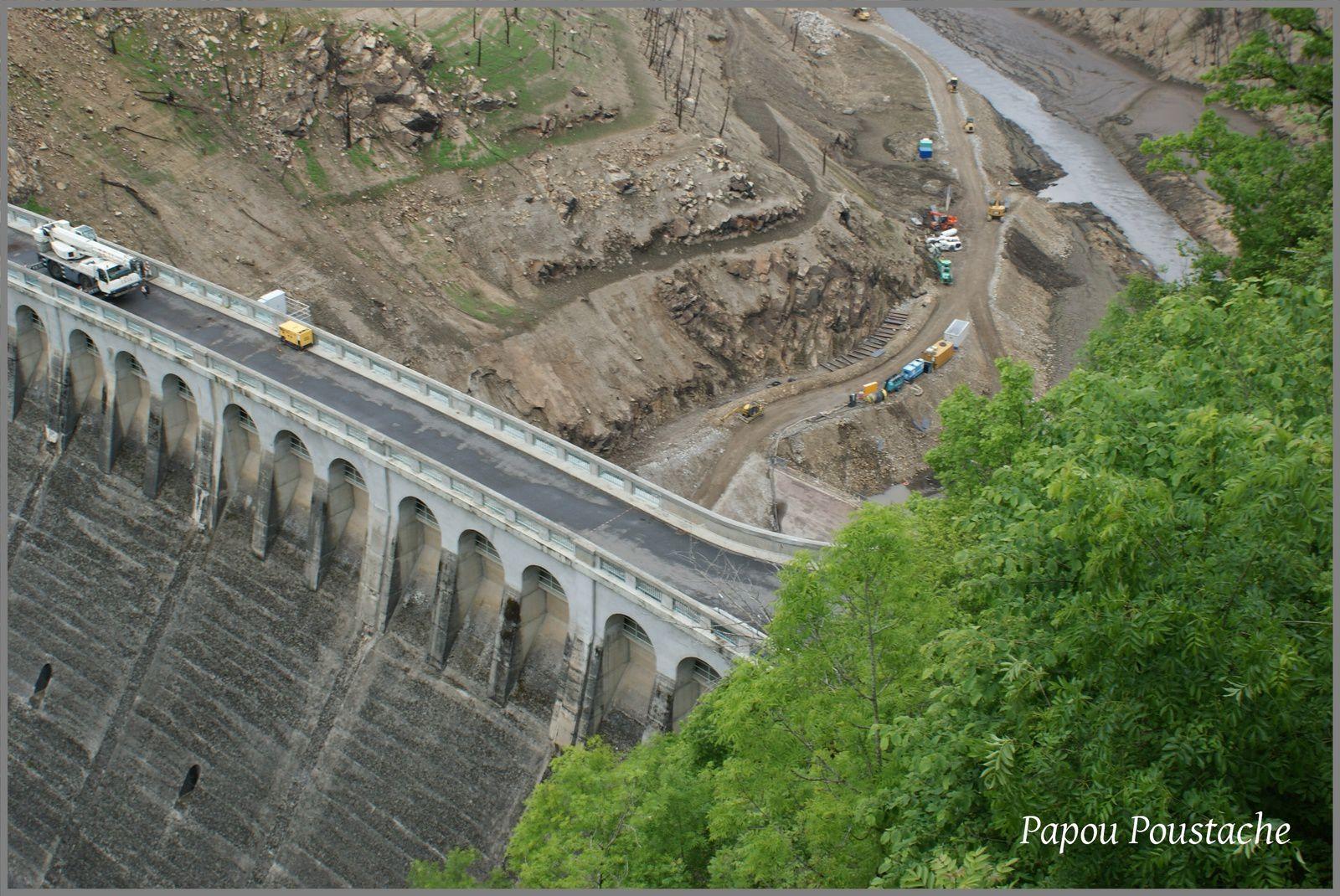 Entre Cantal et Aveyron: Le barrage de Sarrans