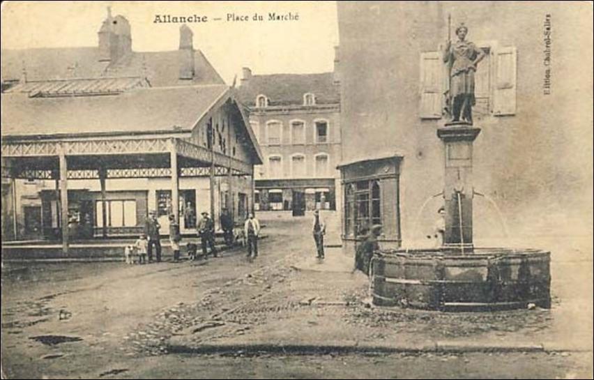Le marché couvert à Allanche
