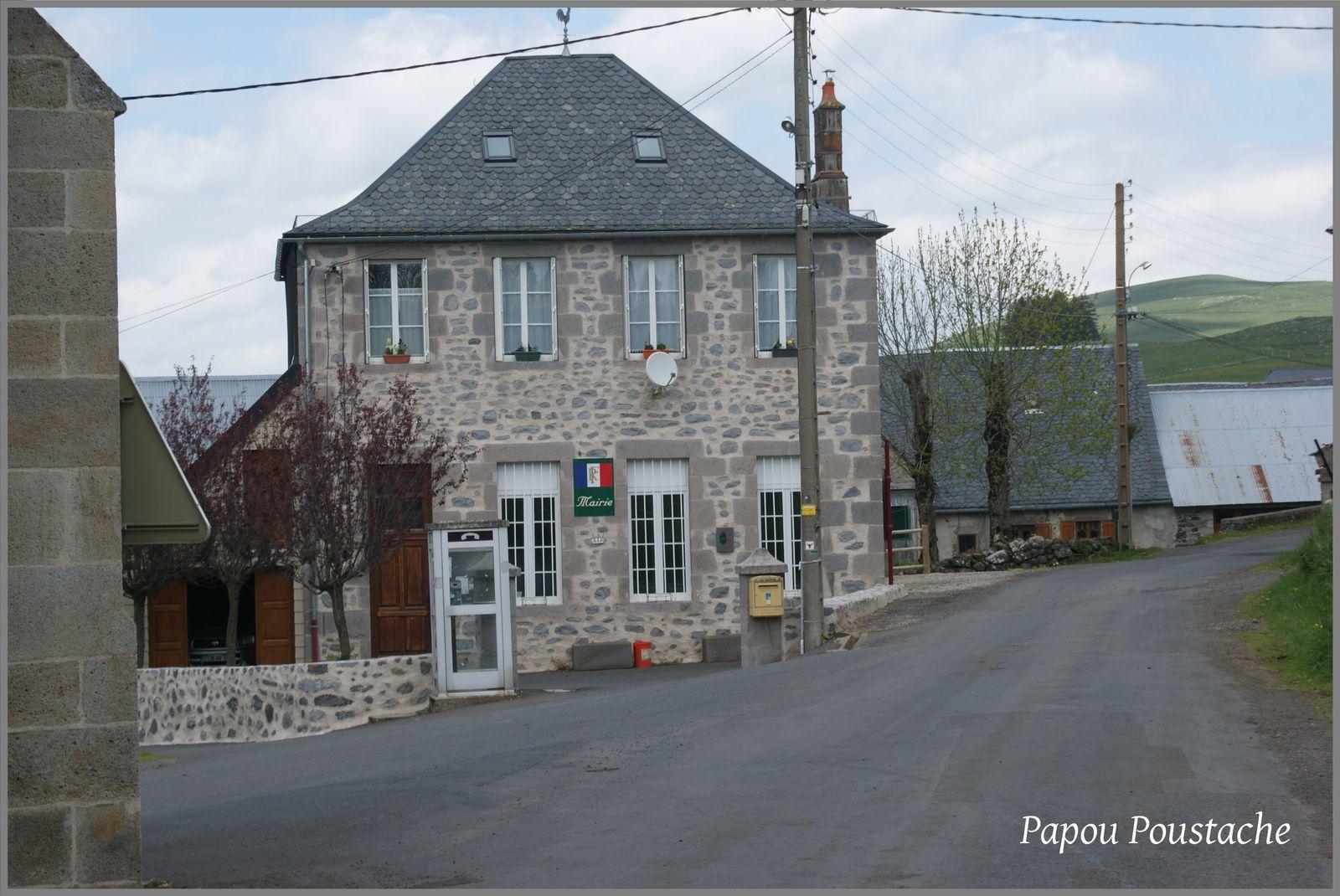 Les villages du Cantal: Pradiers