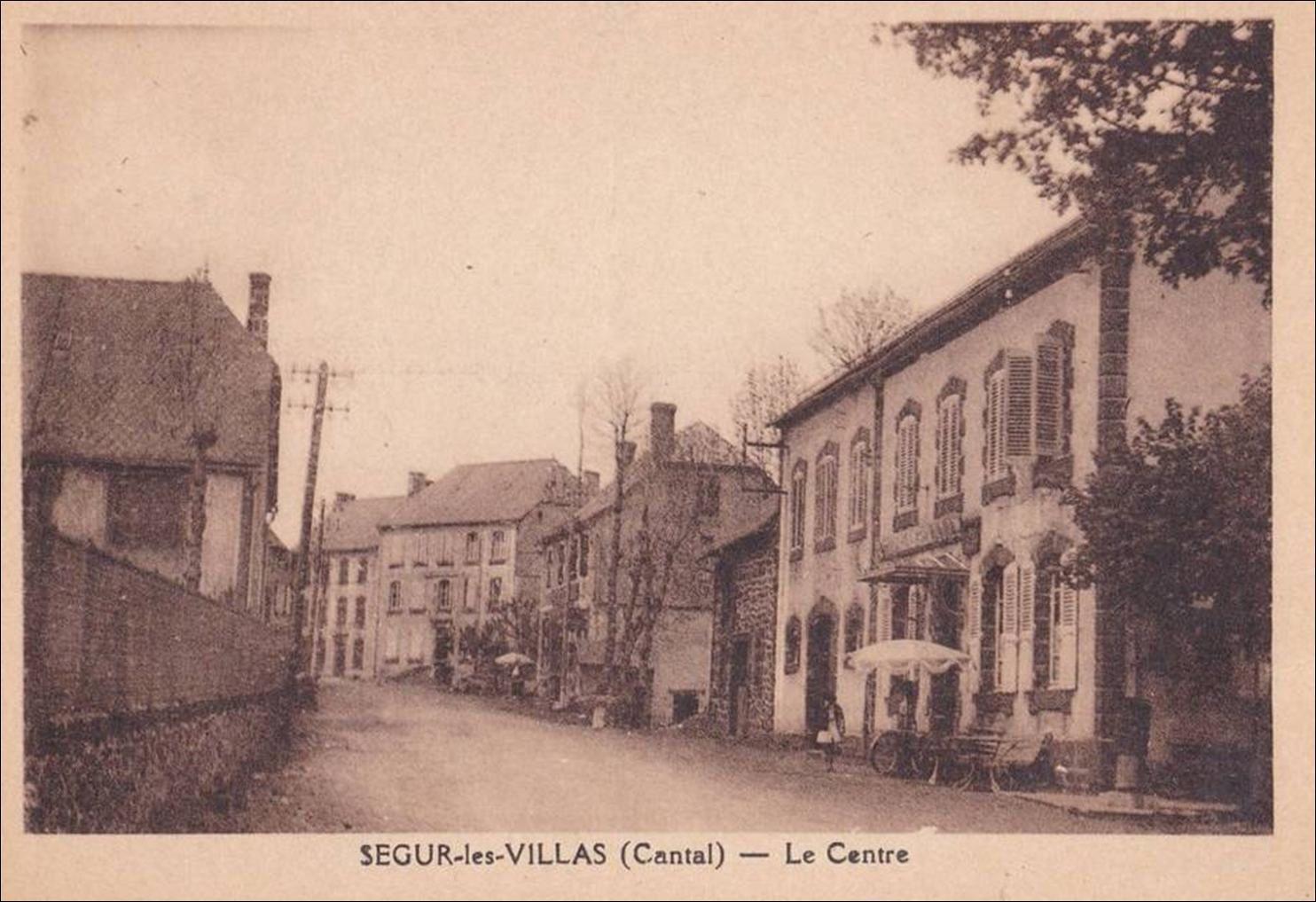 Au Hasard dans le village de Ségur