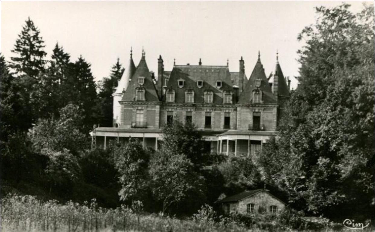 Chateau à Job