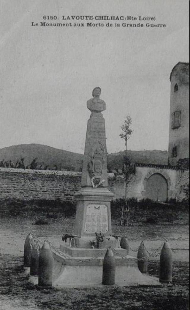 Monument,statue et fontaine à Lavoute Chilhac