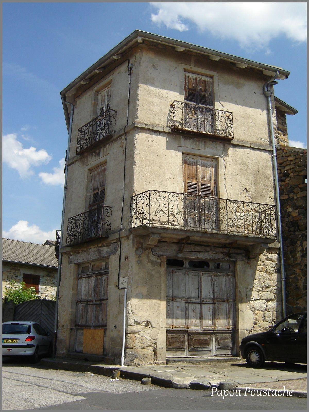 Balade dans les rues de St Julien Chapteuil