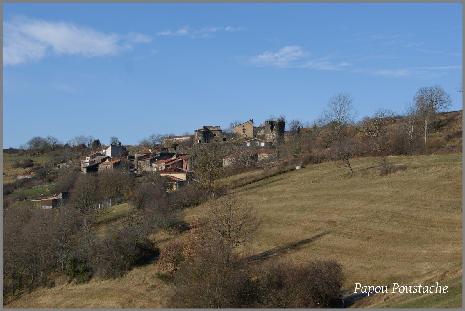 Le village de Chalet aux environs de Massiac
