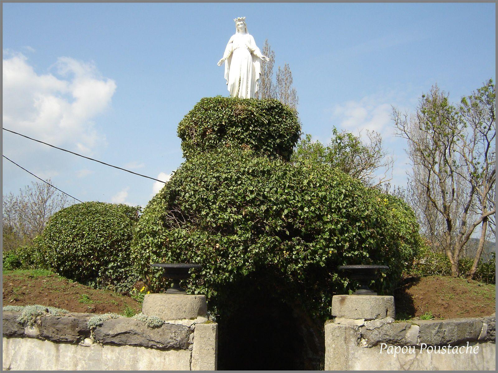 La Vierge et le Monument à Solignac sur Loire