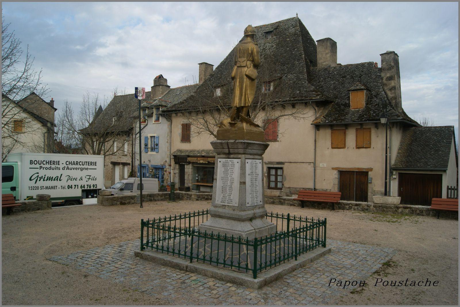 Monument et fontaine à Cassaniouze