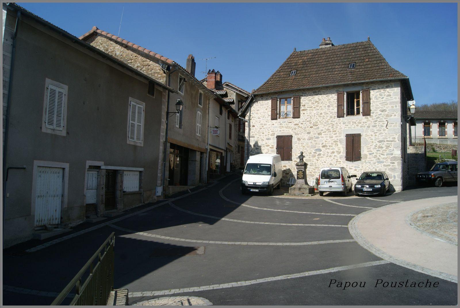 Le village de Boisset dans le Cantal
