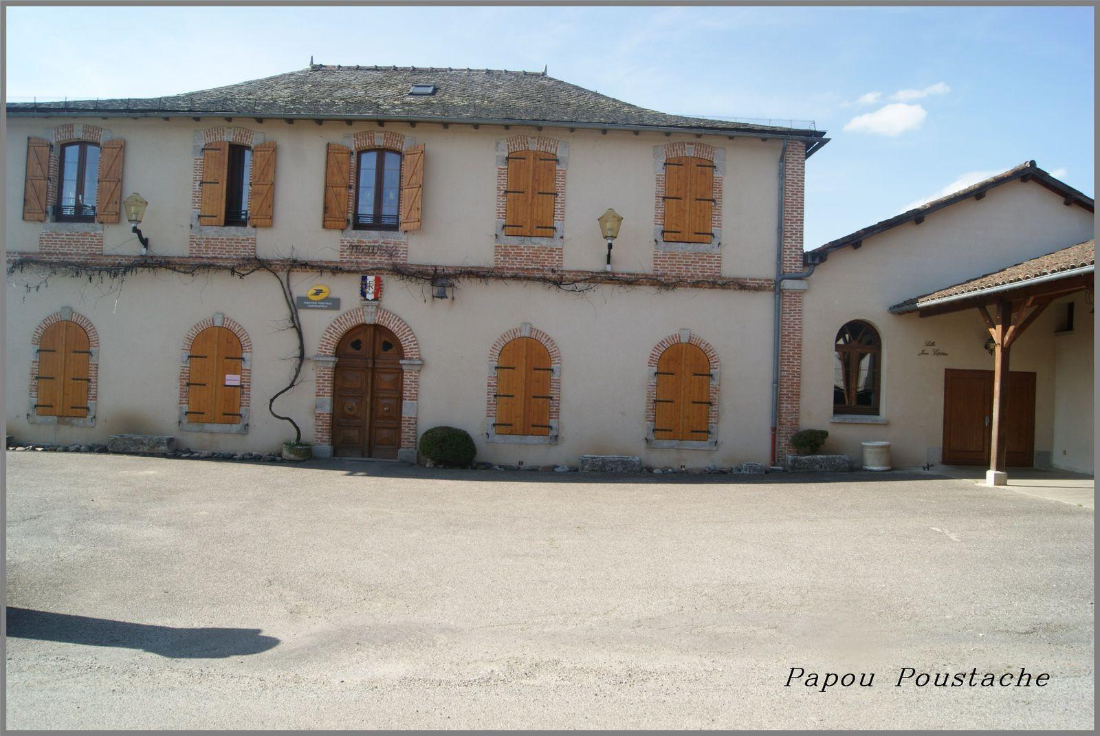 Le village de Leynhac dans le Cantal