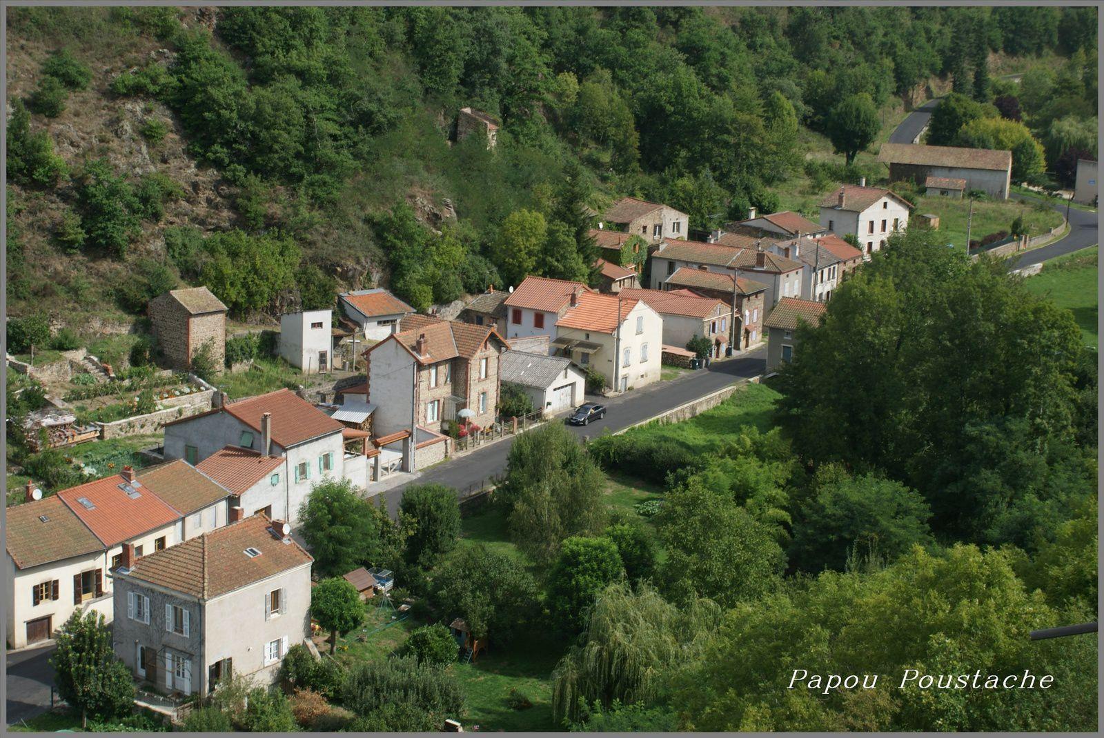 Le bas d'Auzon vu de la tour du chateau.