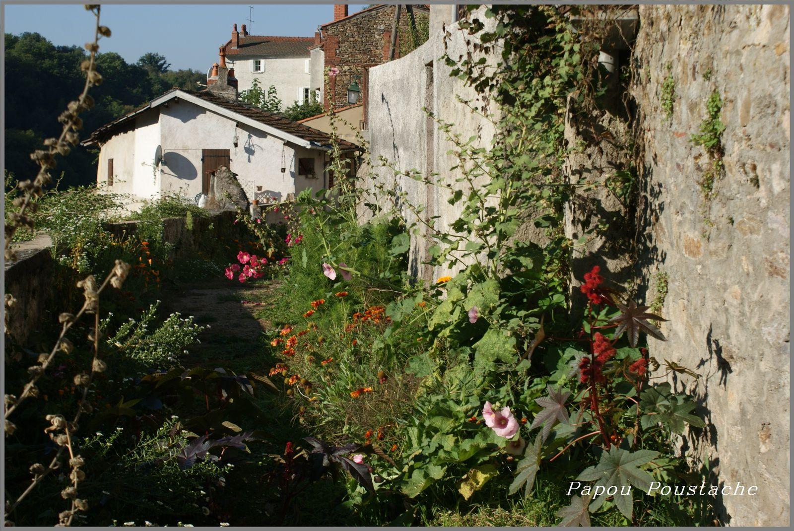 Auzon primé pour les  villages fleuris