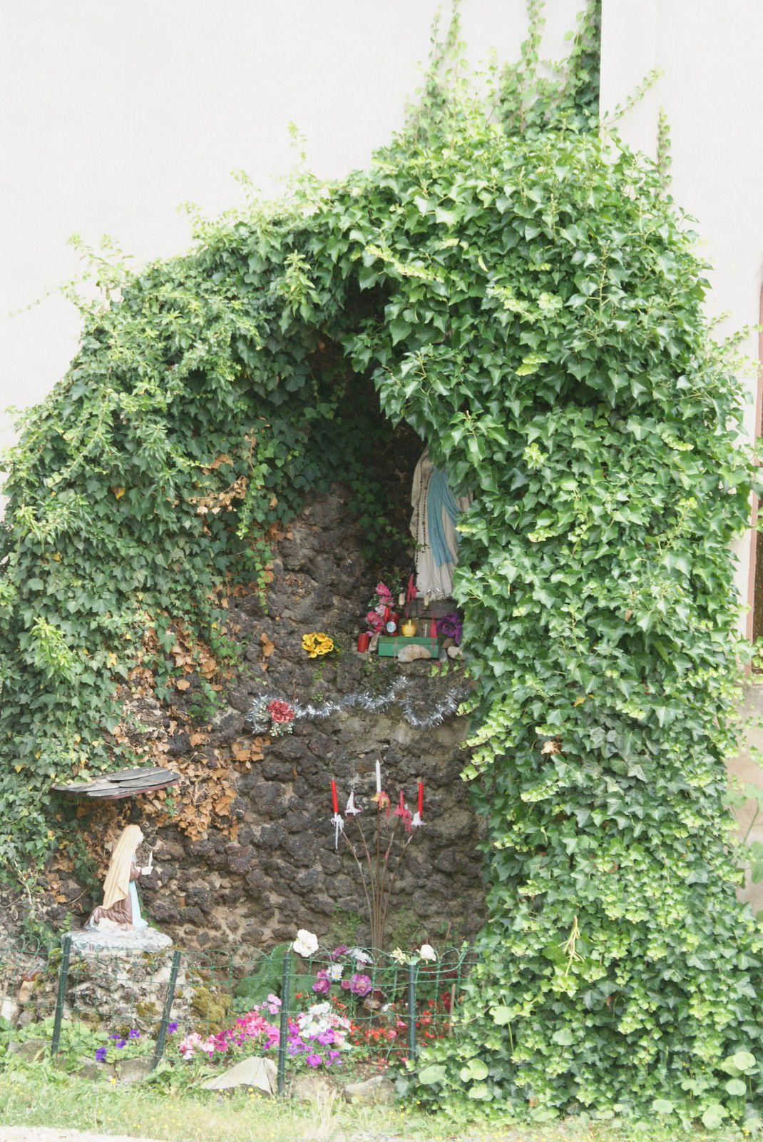 Les villages d'Auvergne: Frugères les mines en Haute-Loire