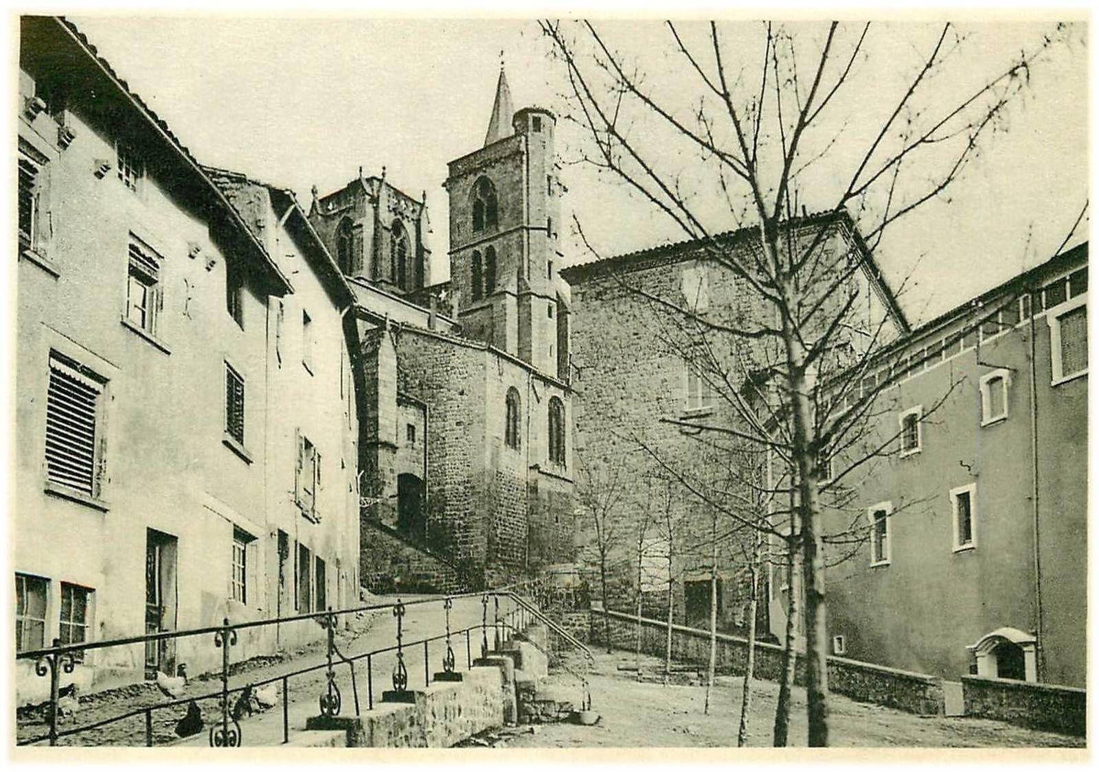 Au porte de l'Auvergne Saint Bonnet Le Château