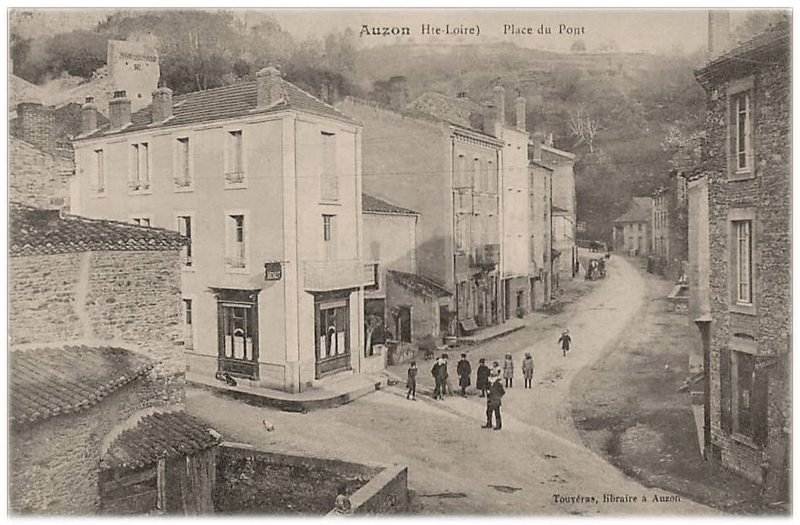 Auzon 1900 à 1942 en photos