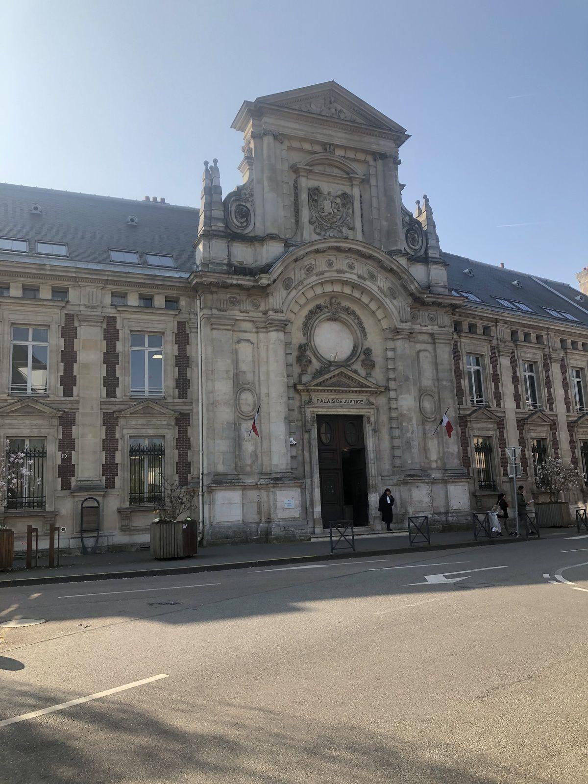 convocation au tribunal judiciaire d'EVREUX - tribunal correctionnel d'Evreux - Tribunal de police d'Evreux - avocat permis de conduire