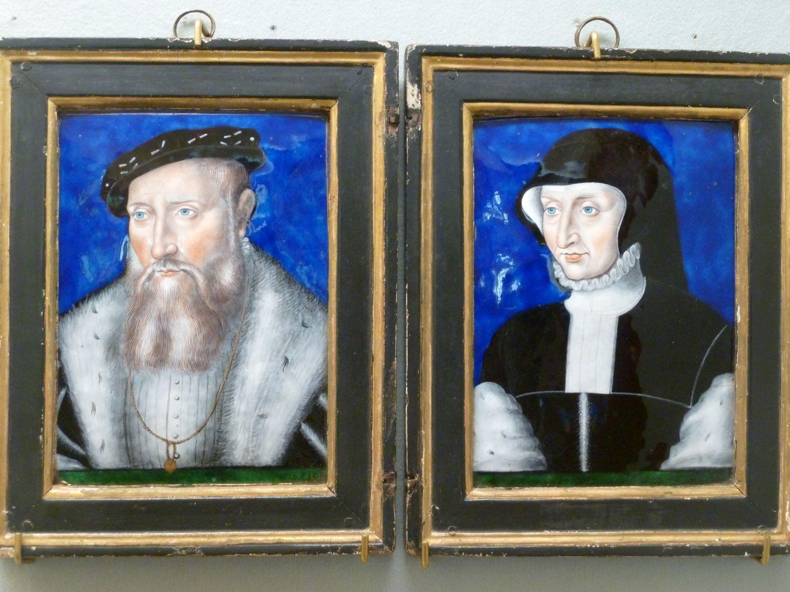 Claude de Lorraine, premier Duc de Guise et  son épouse Antoinette de Bourbon. Email peint Léonard Limosin, Limoges XVIème siècle. Les deux portraits d'une grande finesse témoignent de l'activité de Léonard Limosin auprès de la cour de France