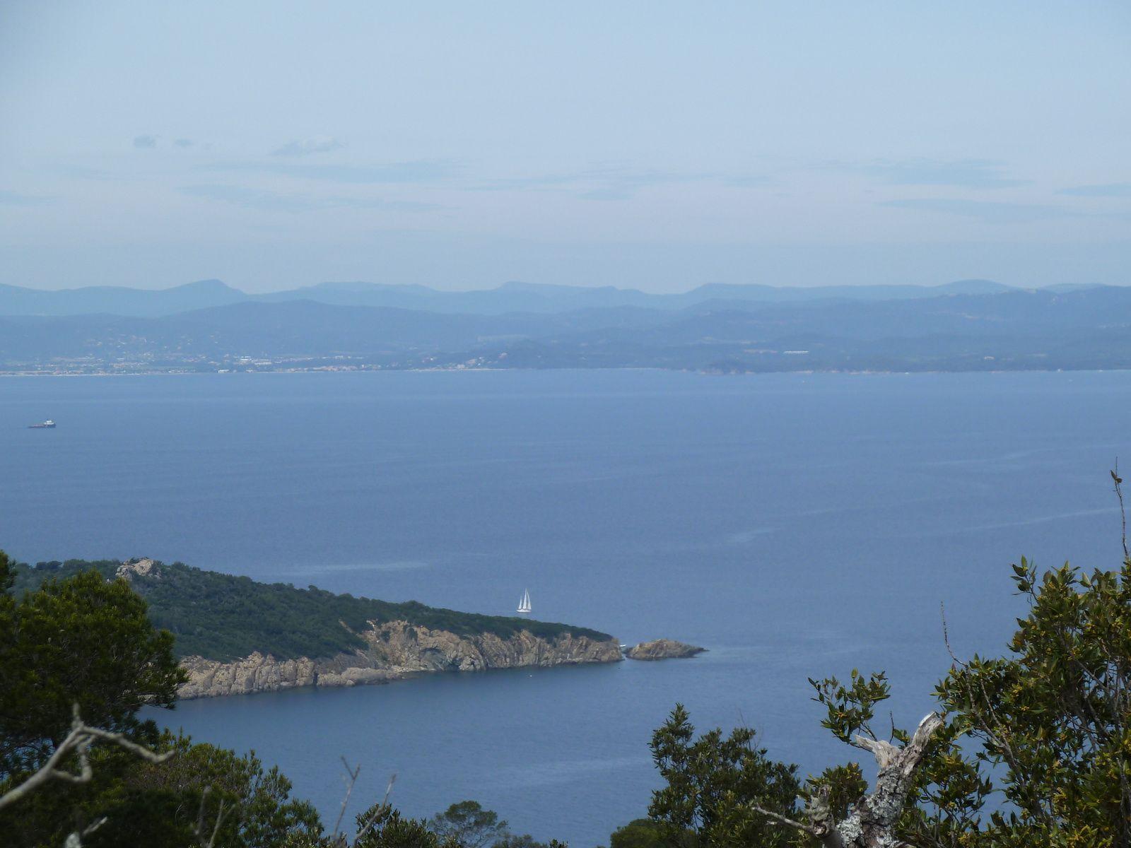 Le Mont Vinaigre à 194 mètres d'altitude considéré comme le point culminant de l'île.