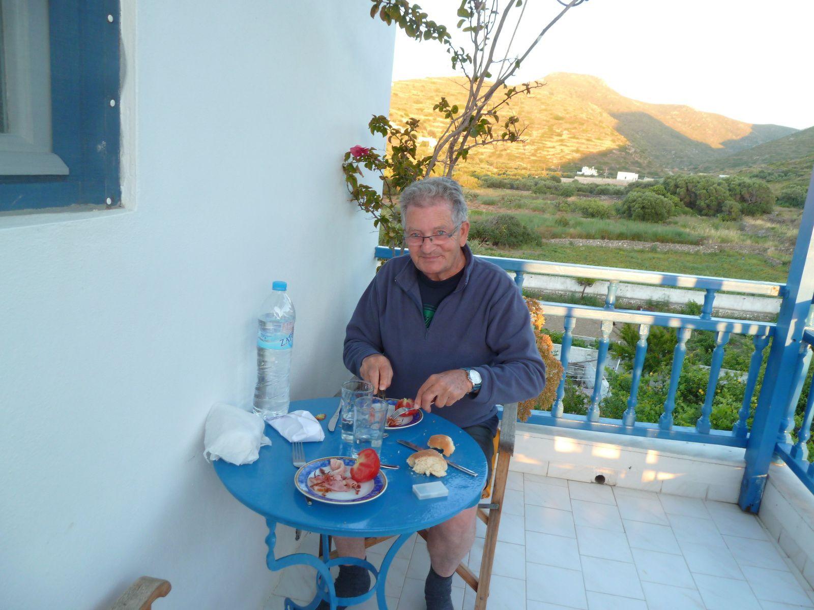 Une belle journée terminée par un dîner lever sur notre terrasse.