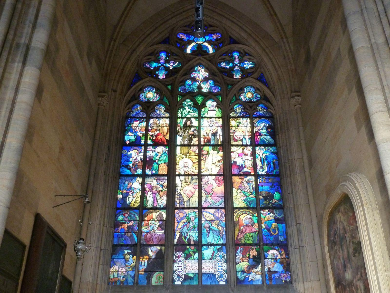 Superbe vitrail d'Alfons Mucha, grand maître de l'Art Nouveau, représentant Saints Cyrille et Méthode.
