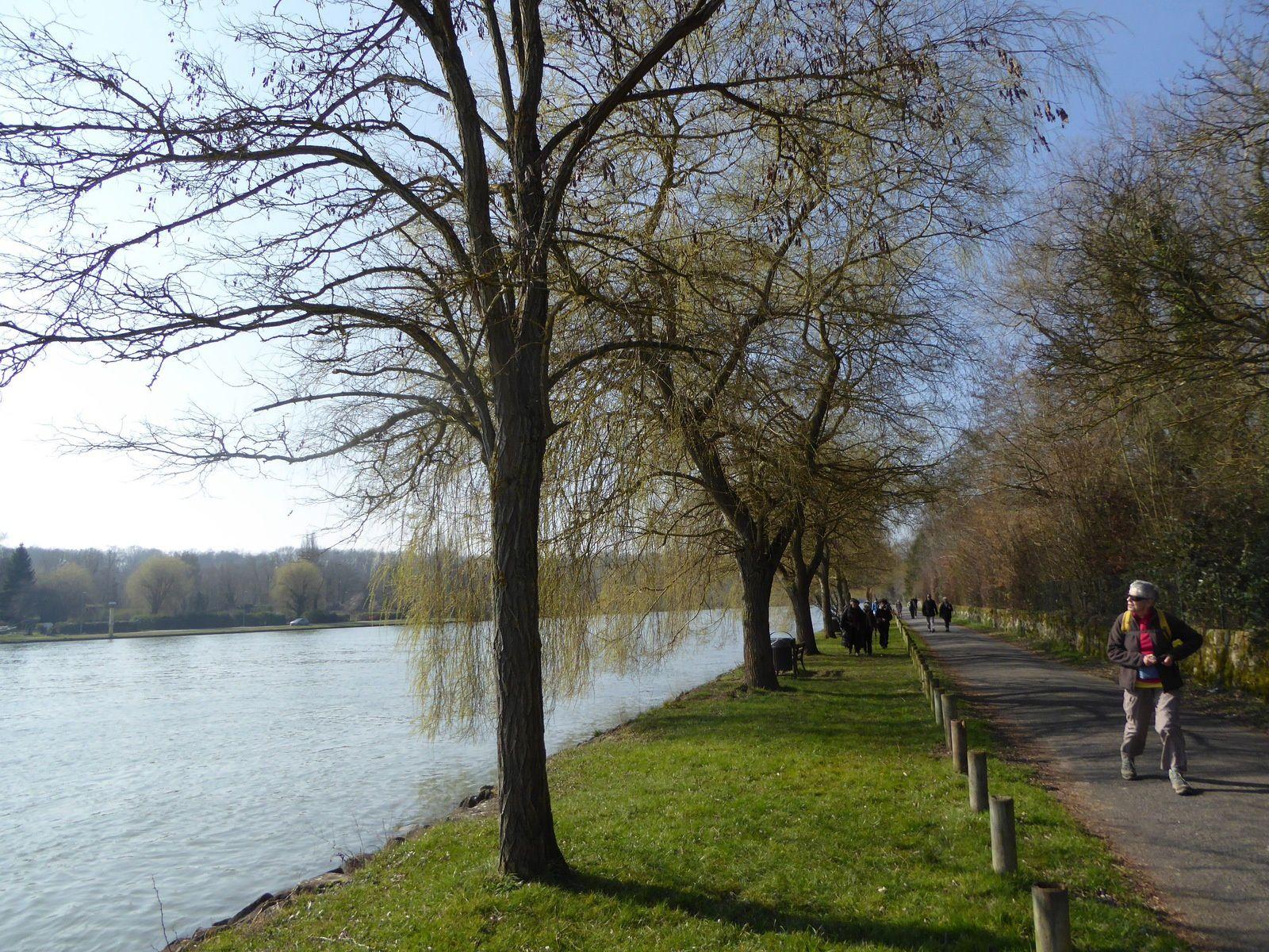 Randonnée de Cesson à Livry-sur-Seine. 17,6 km.