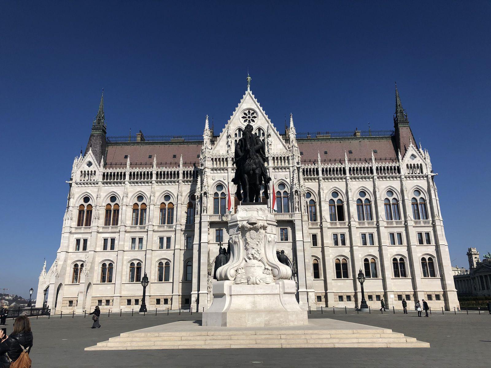Le Parlement hongrois, Budapest 1/2