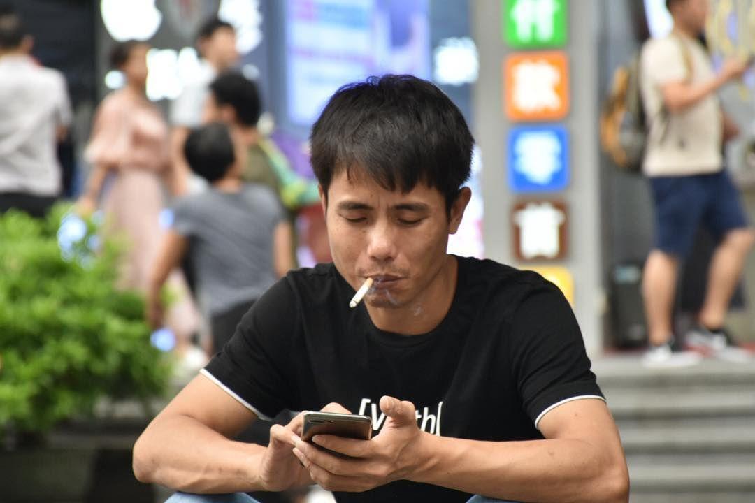 Un portrait que j'ai pris du côté de Huaqiang Bei, le quartier électronique de Shenzhen.