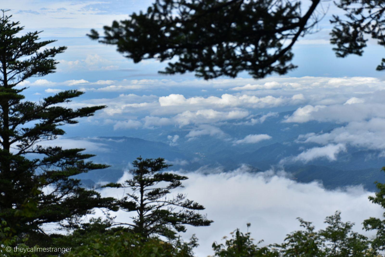 Le mont Emei, montagne sacrée du bouddhisme 峨嵋山