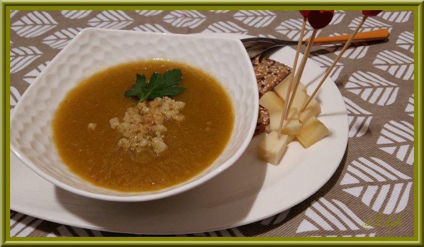 Velouté de Potiron, Poivron vert et Tomates