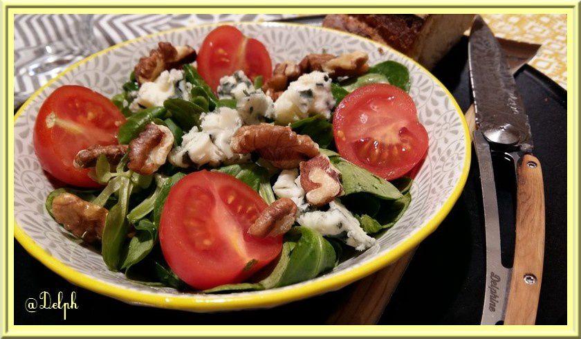 Salade de Mâche aux noix et Roquefort