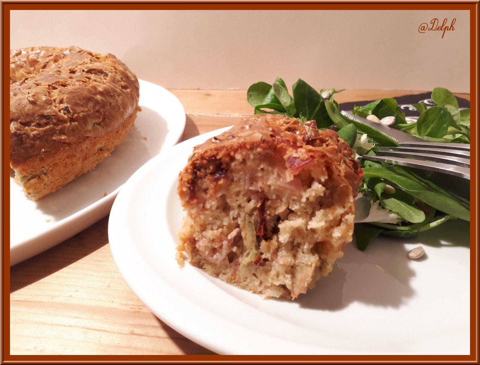 Cake aux olives, coppa et tomates séchées