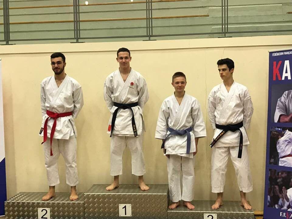 5 Médailles en Championnat KATA