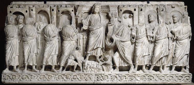 """Sarcophage """"à portes de villes"""" au Louvre  Remise de la Loi - Art paléochrétien. -- http://www.louvre.fr/oeuvre-notices/sarcophage-portes-de-ville"""