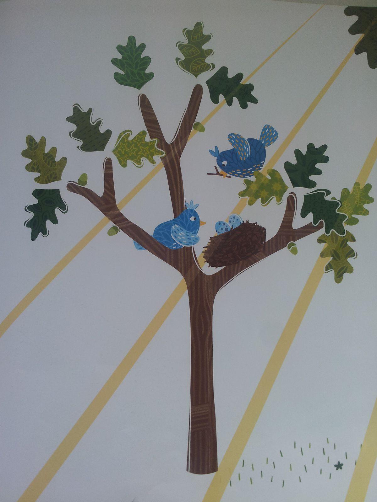 Petit-Arbre veut grandir. Texte de Nancy GUILBERT et illustrations de Coralie SAUDO - 2015  (Dès 3 ans)