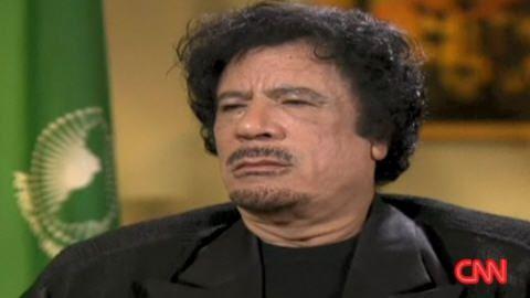"""[Transcription] L'interview de Kadhafi par Larry King sur CNN en 2009 : """"Al Qaïda est à New York"""" (Vidéo)"""
